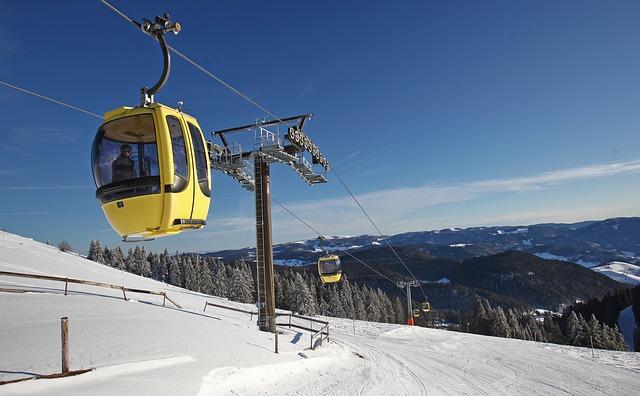 Moritz skiing