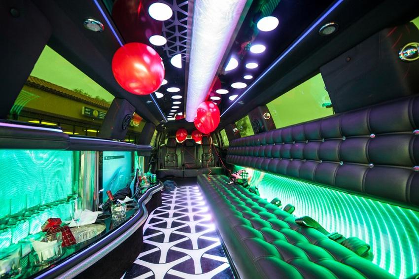 party limo rental toronto